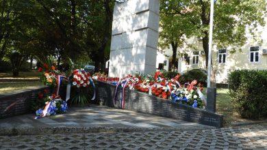 Photo of Obilježena 27. obljetnica napada na bivše vojarne JNA u Sinju