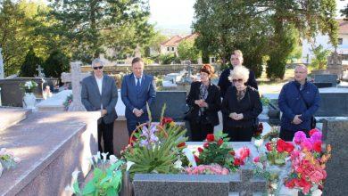 Photo of Obilježena 3. obljetnica smrti Nikole Tomaševića, bivšeg sinjskog gradonačelnika i alkarskog vojvode