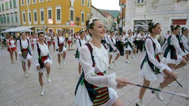 Photo of Na današnji dan prije 23 godine Sinjske mažoretkinje održale prvi nastup na sinjskoj Pijaci