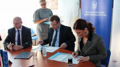 """Photo of Potpisan Ugovor o realizaciji projekta """"Zaželi"""""""