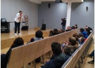 """Photo of Sinoć je u organizaciji Udruge """"Cjelovit život"""" izvedena predstava FAMILY MAGIC SHOW"""
