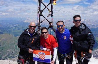 Photo of Članovi PD Svilaja osvojili talijanski Punta Penia (3343m)