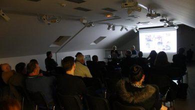 """Photo of Sinoć u Galeriji Sikirica projekcija nagrađivanog dokumentarno-eksperimentalnog filma """"Monument"""""""