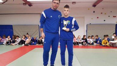 Photo of Ivan Bezić u klubu Pujanke dobio godišnju nagradu za najviše osvojenih bodova u svim judo generacijama