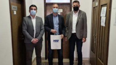 Photo of Sinjski HDZ predao potpise i kandidature za gradonačelnika i gradsko vijeće