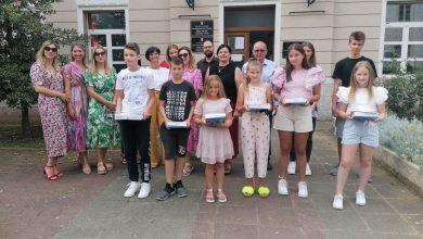 Photo of Gradonačelnik Vrlike nagradio najuspješnije osnovnoškolce